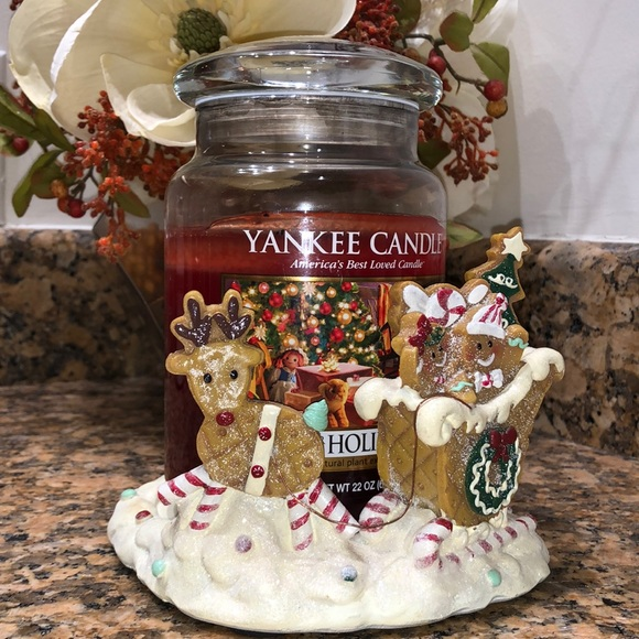 Yankee candle, holiday candle with holder